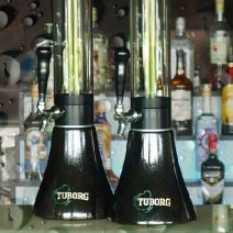 tuborg giraffe beer tower